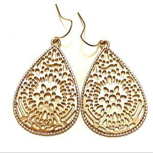 Filigree dangle earrings teardrops
